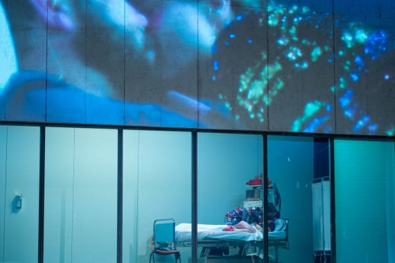 Predstavom <em>Lomeći valove</em> počeo je 17. Festival svjetskog kazališta 6