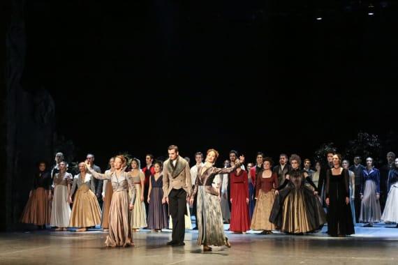 Dugotrajni aplauz oduševljene premijerne publike na praizvedbi baleta <em>Ponos i predrasude</em> 3
