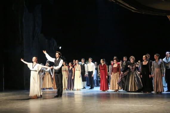 Dugotrajni aplauz oduševljene premijerne publike na praizvedbi baleta <em>Ponos i predrasude</em> 4