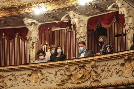 Dugotrajni aplauz oduševljene premijerne publike na praizvedbi baleta <em>Ponos i predrasude</em> 8