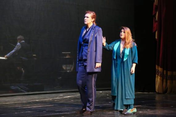 <em> Orfej unatoč svojim strahovima korača dalje</em> - premijera <em>Orfej i Euridika </em> 8