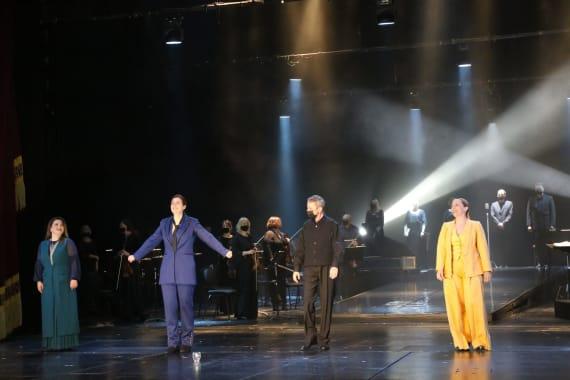 Dugotrajni aplauz publike na svečanoj premijeri opere <em> Orfej i Euridika</em> 9