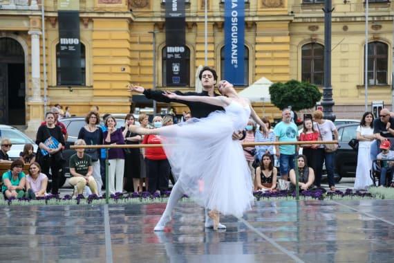 <em> Balet u predvečerje </em> 4