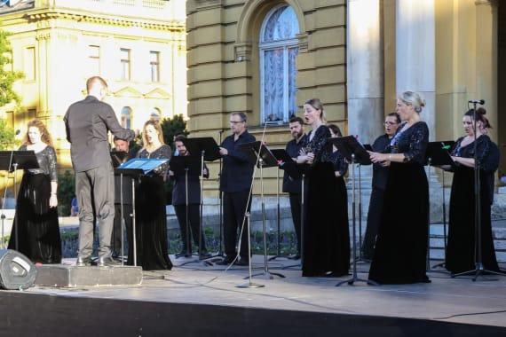 <em>Miris ljeta</em> - zajednički program Opere i Drame 2