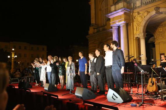 Glazbenim spektaklom u čast Arsenu Dediću završen <em>Festival Ljetne večeri HNK u Zagrebu</em> 20