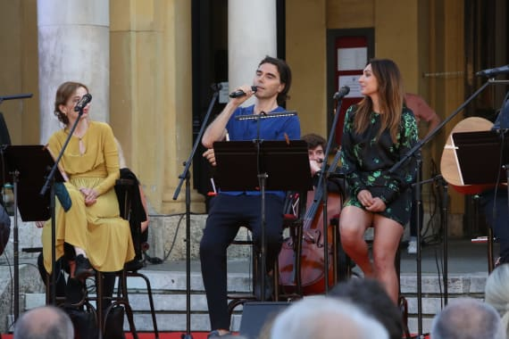 Glazbenim spektaklom u čast Arsenu Dediću završen <em>Festival Ljetne večeri HNK u Zagrebu</em> 4