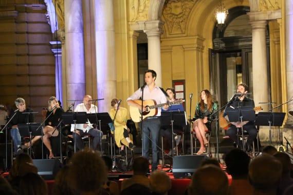 Glazbenim spektaklom u čast Arsenu Dediću završen <em>Festival Ljetne večeri HNK u Zagrebu</em> 14