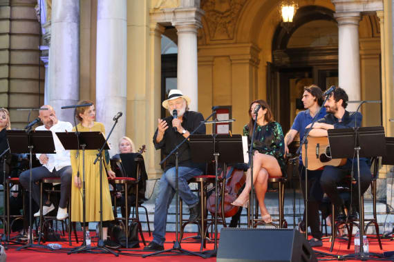 Glazbenim spektaklom u čast Arsenu Dediću završen <em>Festival Ljetne večeri HNK u Zagrebu</em> 13