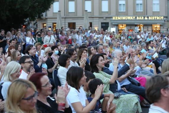 Glazbenim spektaklom u čast Arsenu Dediću završen <em>Festival Ljetne večeri HNK u Zagrebu</em> 11