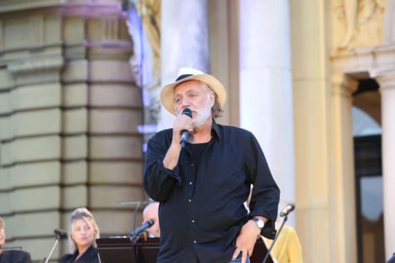 Glazbenim spektaklom u čast Arsenu Dediću završen <em>Festival Ljetne večeri HNK u Zagrebu</em> 10