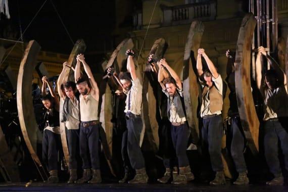 Otvorenje <em>Festivala svjetskog kazališta</em> uličnim spektaklom <em> Moby Dick</em> 3