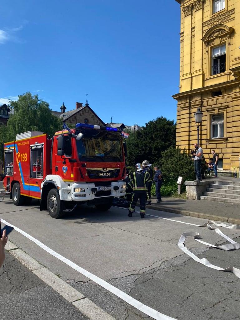 Evakuacijska vježba u zgradi kazališta