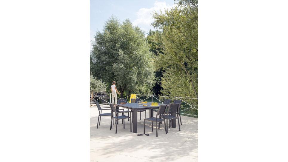 Table De Jardin Carrée Brun Fiero Delorm Design