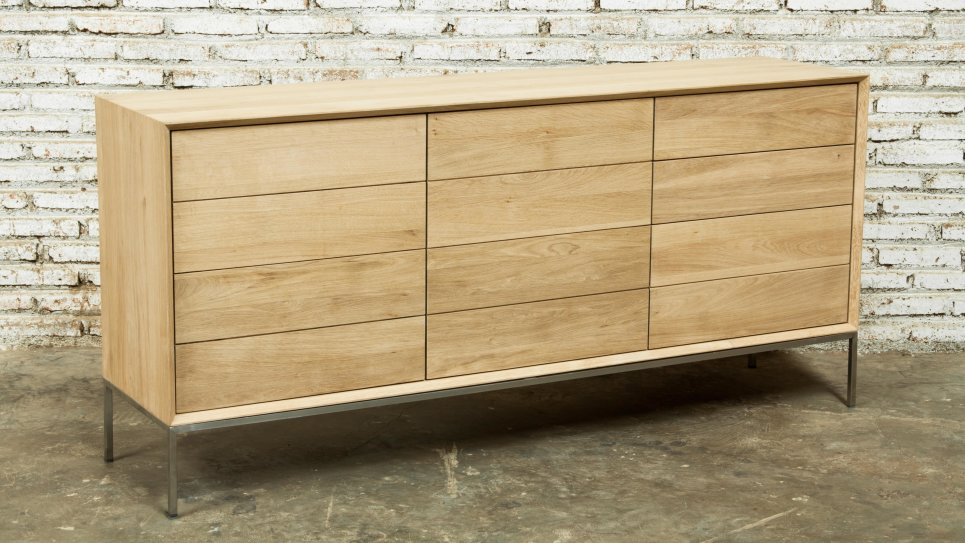 Buffet en chêne massif 2 portes 3 tiroirs - KUBICO