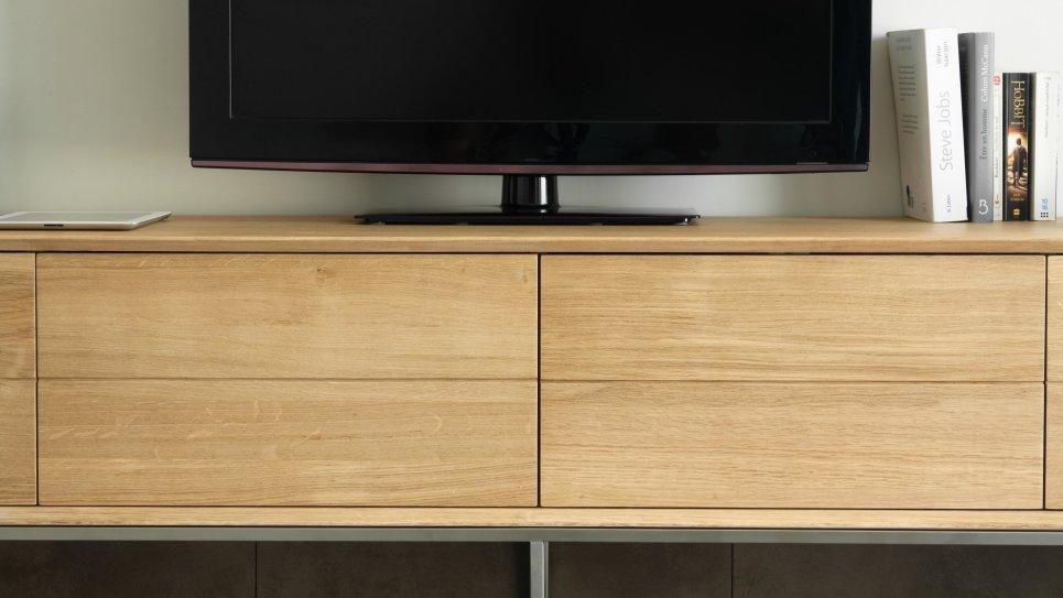 Meuble TV en chêne massif 2 tiroirs 2 portes rabattables - KUBICO