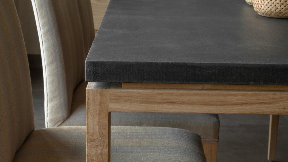 TABLE U-LEG 180CM - Table en chêne massif et plateau en revêtement minéral