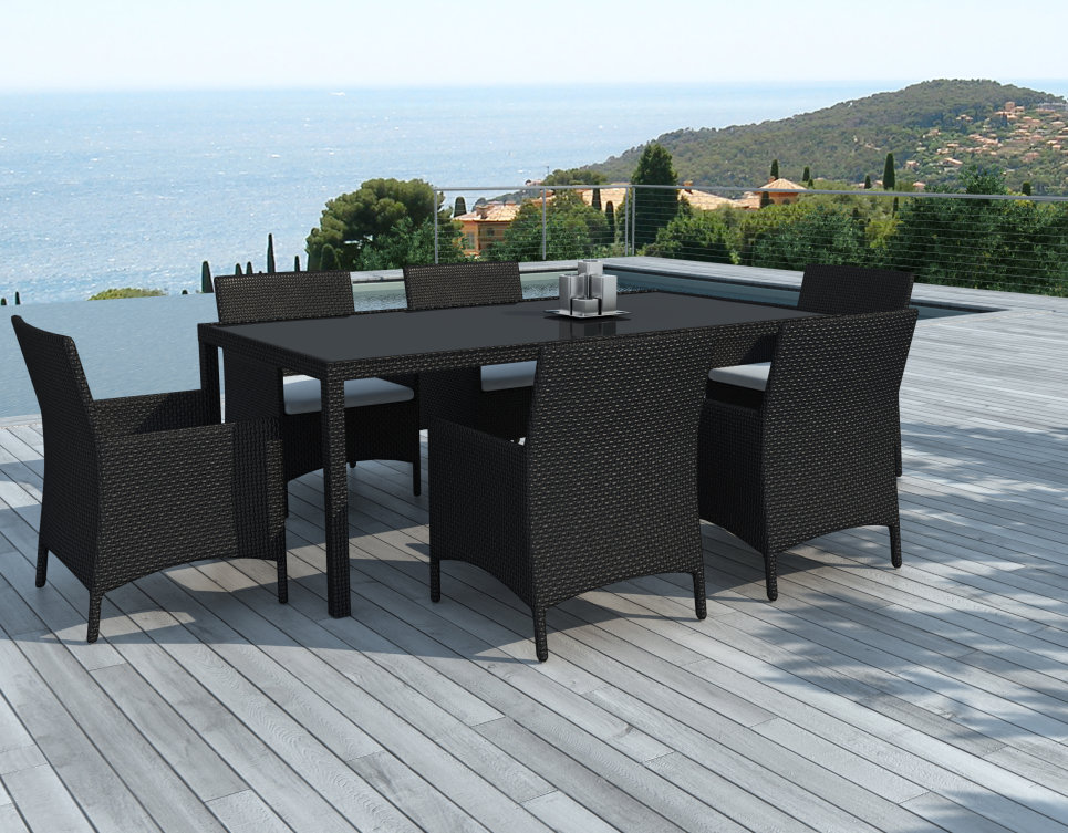 ensemble table et chaises de jardin en r sine tress e noire mod le escondido. Black Bedroom Furniture Sets. Home Design Ideas