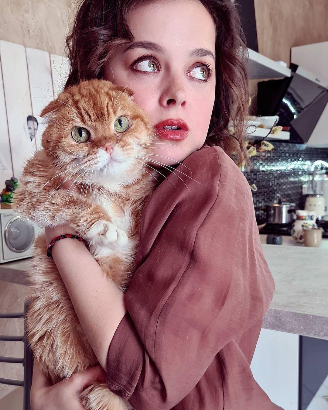 Это ленивый кот! Наталия Медведева трогательно рассказала о домашнем питомце