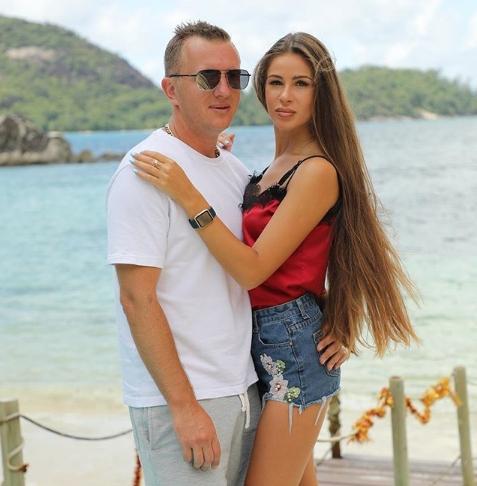 Анастасия Голд и Илья Яббаров накинулись на Селену Майер с кулаками