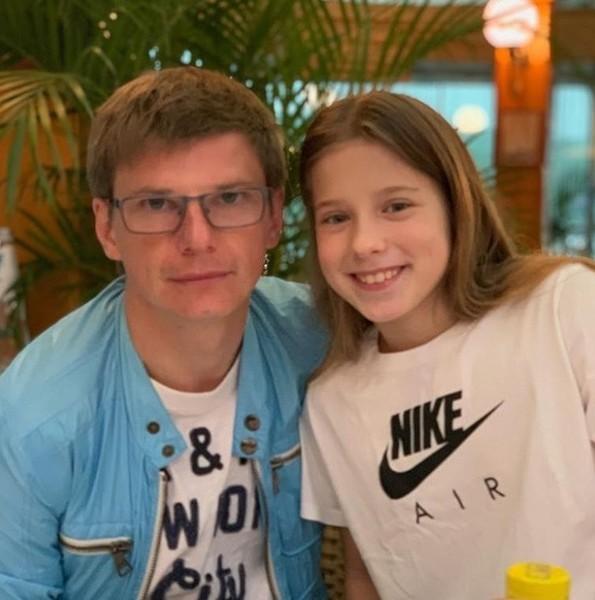 Я его очень люблю! Дочь Андрея Аршавина рассказала об отношениях с отцом