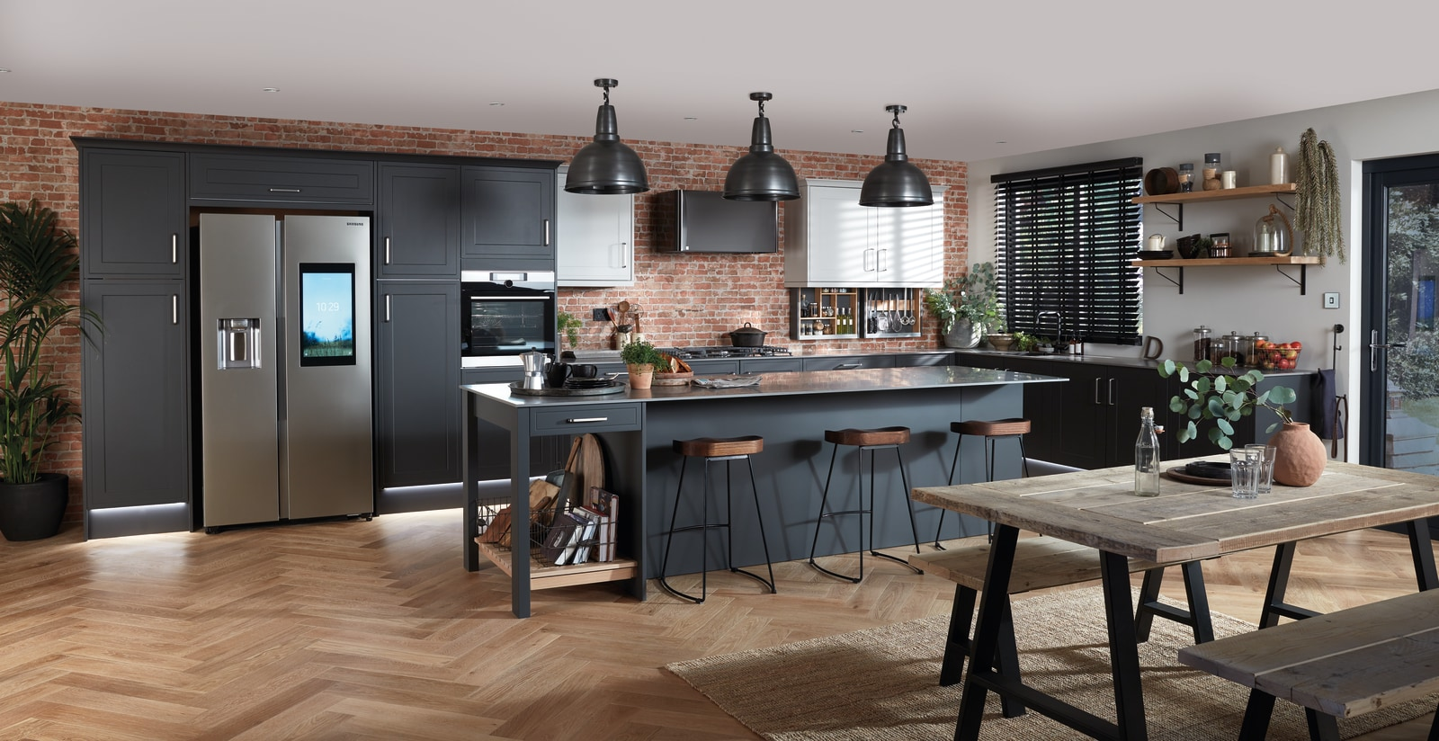 Tribeca kitchen by Magnet. Smooth matt effect with sophisticated finishes and available in three colours.