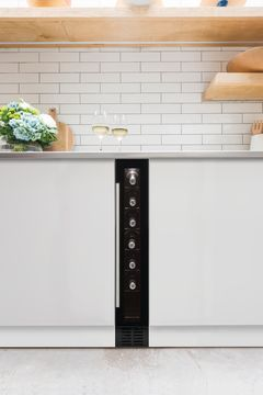 CAPLE Under Counter Single Zone Wine Cooler WI154