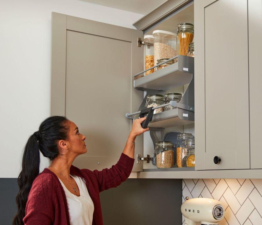 I Move Pull Down Kitchen Shelves Magnet