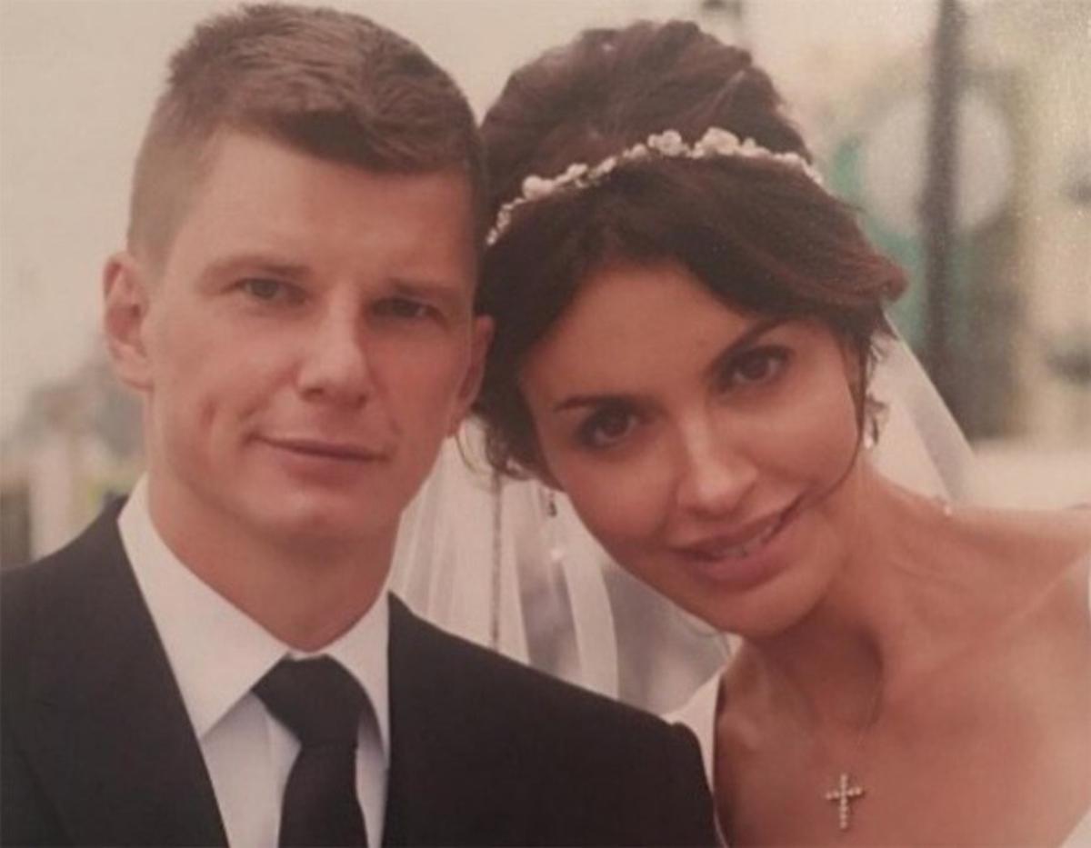 Андрей Аршавин через суд выселил издома тяжелобольную экс-супругу сдетьми