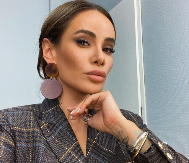 Эксклюзив. «Актриса я никудышная»: Айза Анохина рассказала о своем новом шоу «СуперАйза»