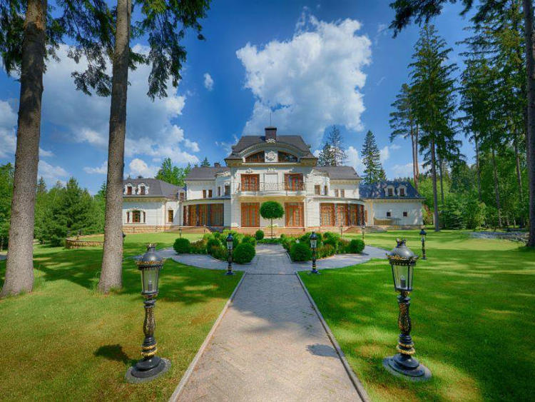 luxury russian dacha