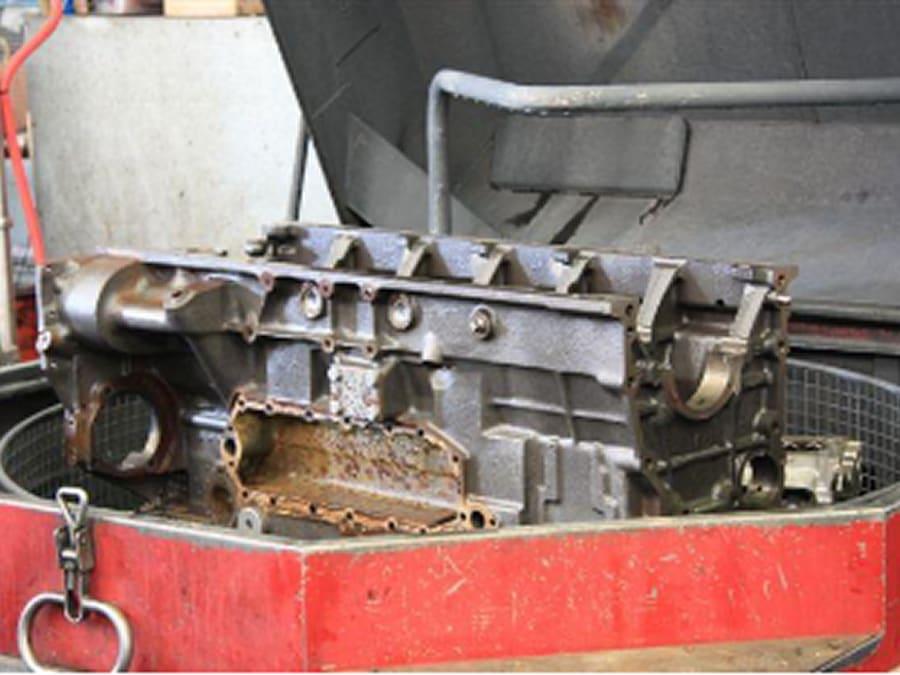 16-komatsu-engine-block-finished