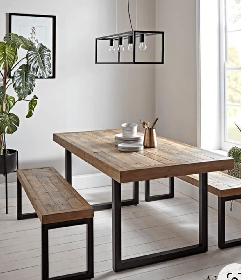 For sale Dining table and bench