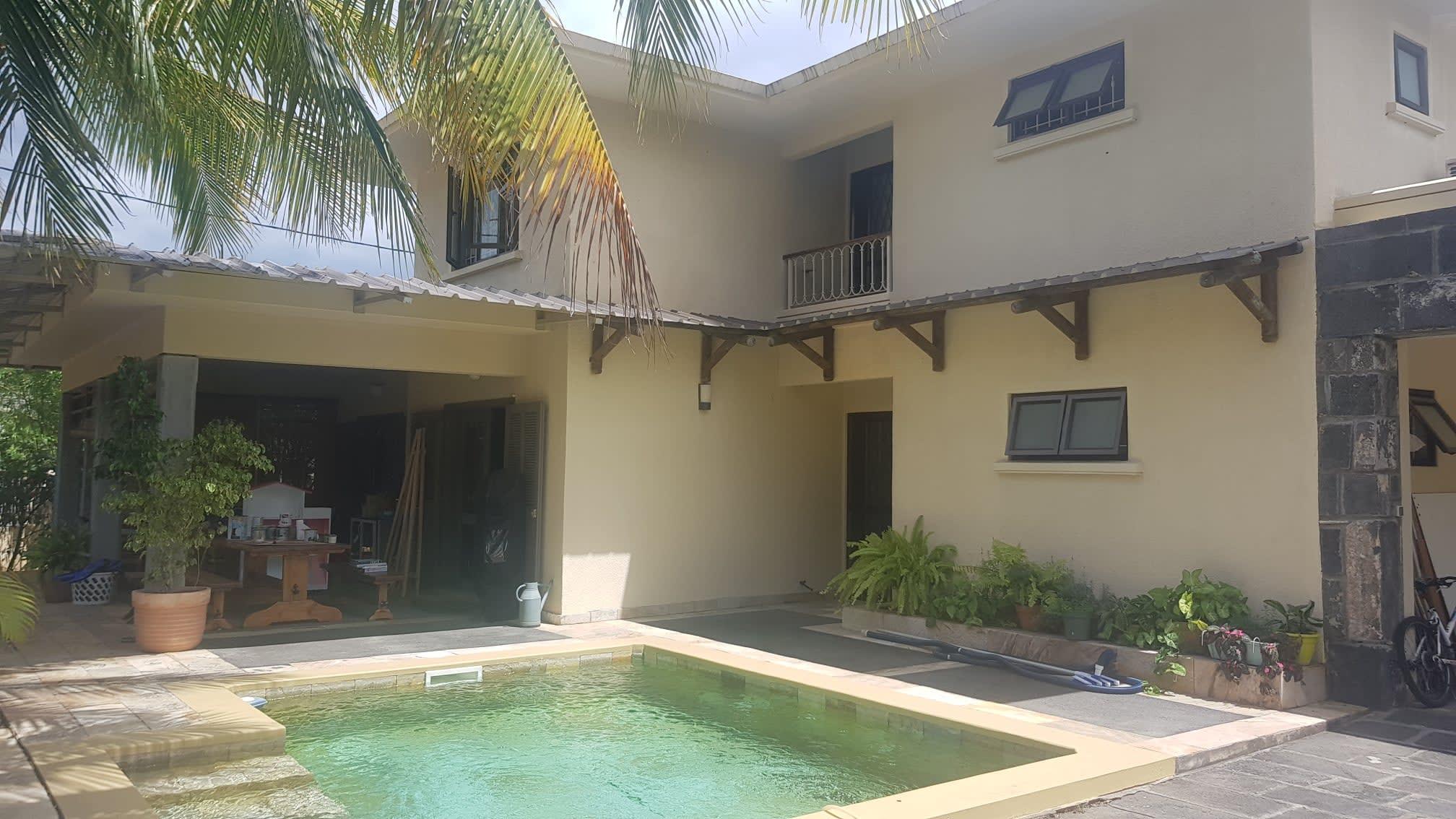 A louer villa Entièrement meublée  a Tamarin .