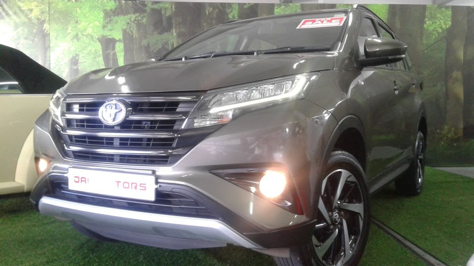 FOR SALE TOYOTA RUSH NEW SHAPE YR 19