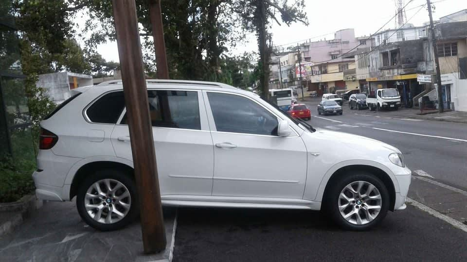 FOR SALE BMW X5 3.0D YEAR 2011