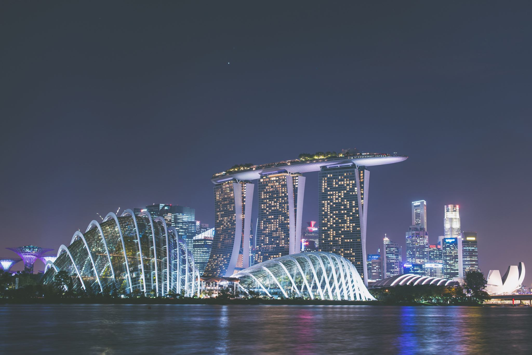 If You Are Traveling to Singapore and Have Pictures, Please Stop by the Media Affairs Office