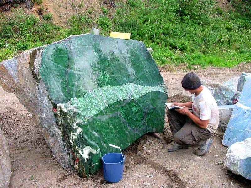 18 Ton Nephrite Jade Boulder Found in Canada