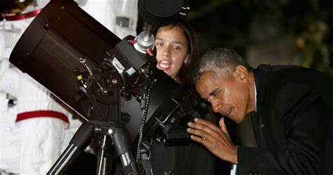 Obama says he 'absolutely' wants to know what UFOs are, and he's hopeful