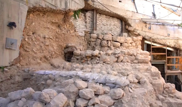 Archaeologists Find Section of First Temple-Period Jerusalem's City Wall