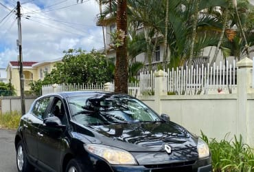 For Sale  2011 Renault Megane Transmission : Automatic