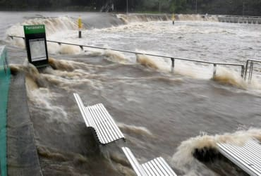 Australia warned of 'life threatening' flash floods