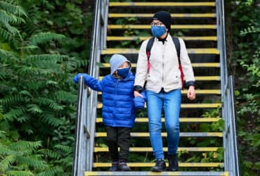 Third round of pandemic payouts coming for Ontario parents, budget says