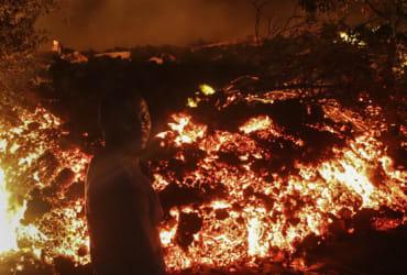 Mount Nyiragongo: Highly active volcano erupts in Congo