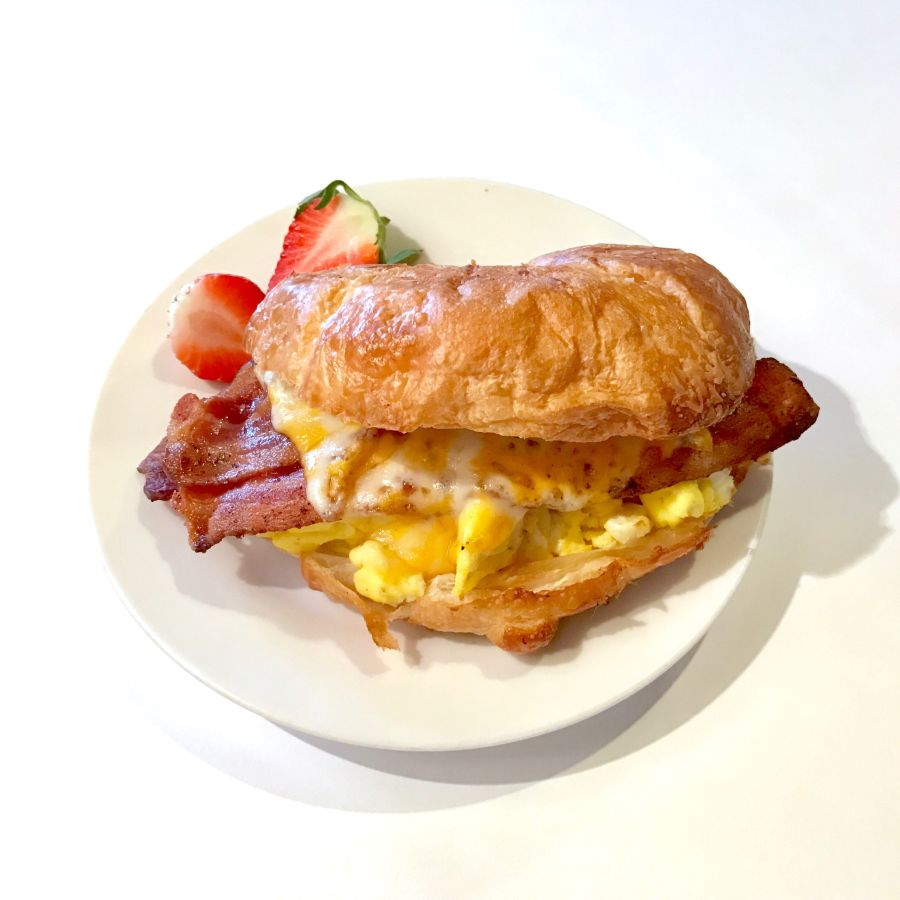 Breatfast Croissant (with bacon)