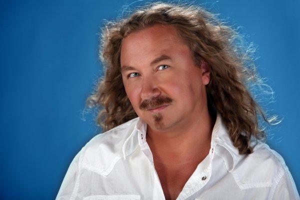Врачи поставили диагноз певцу Игорю Николаеву
