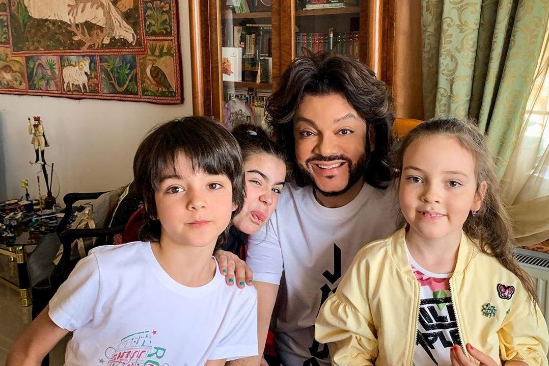 Киркоров показал спектакль, поставленный детьми на домашней сцене