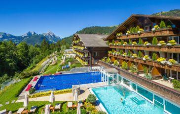 Pleasure Hiking at the Ermitage Wellness & Spa Hotel