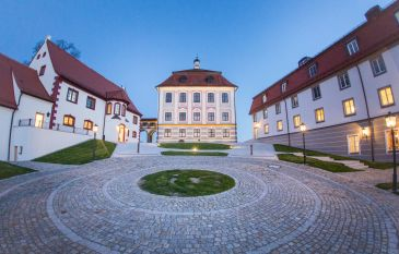A fairytale castle with a view of the Danube: Schloss Leitheim