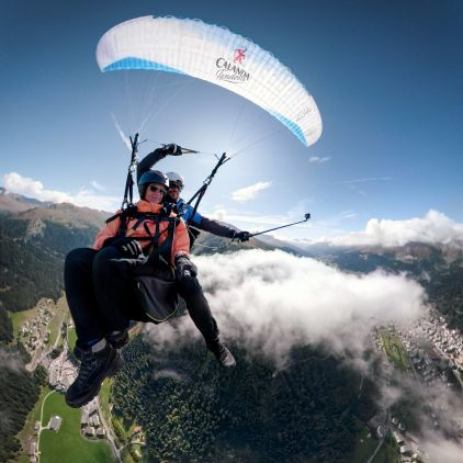 Early-Bird Paragliding in Davos (video&photos included)