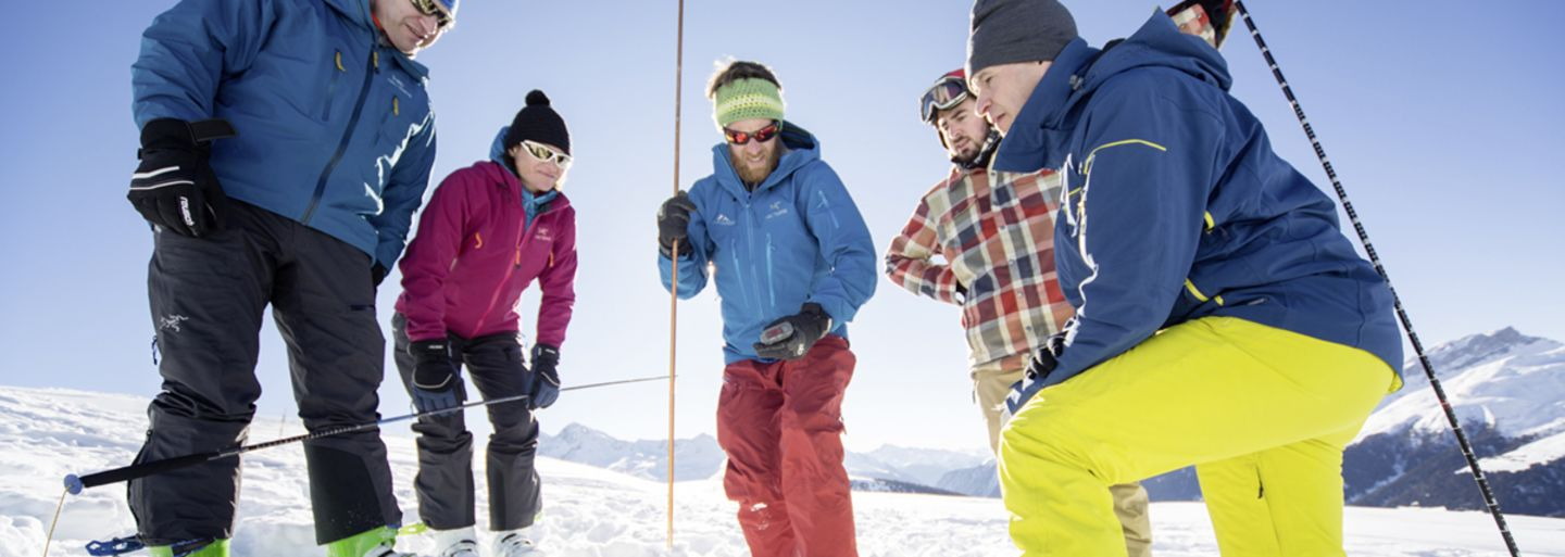 Avalanche transceiver training - induction session Klosters